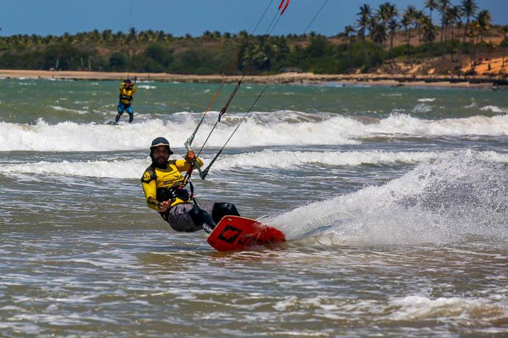 Kitesurfing in Lagoinha
